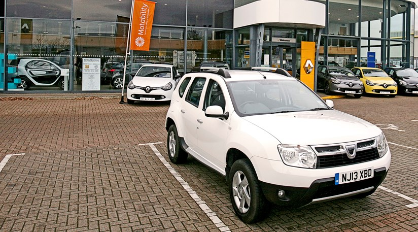 dacia duster 1 5 dci laureate 4x4 2014 long term test review by car magazine. Black Bedroom Furniture Sets. Home Design Ideas