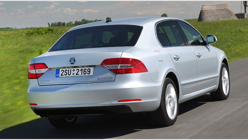 Skoda Superb 2 0 TDI Elegance (2013) review | CAR Magazine