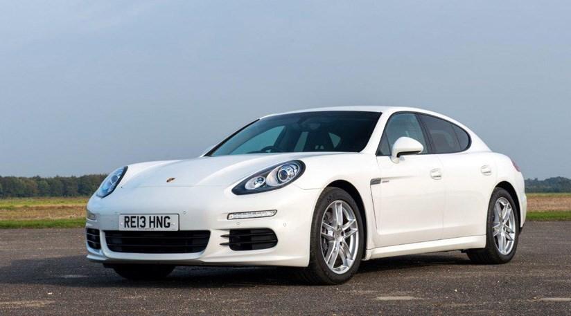 advertisement - Porsche Panamera 2014