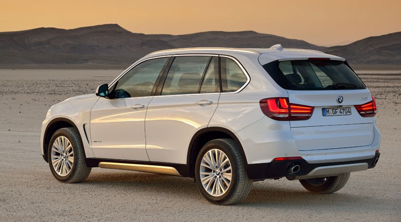 bmw x5 xdrive30d 2014 review by car magazine. Black Bedroom Furniture Sets. Home Design Ideas