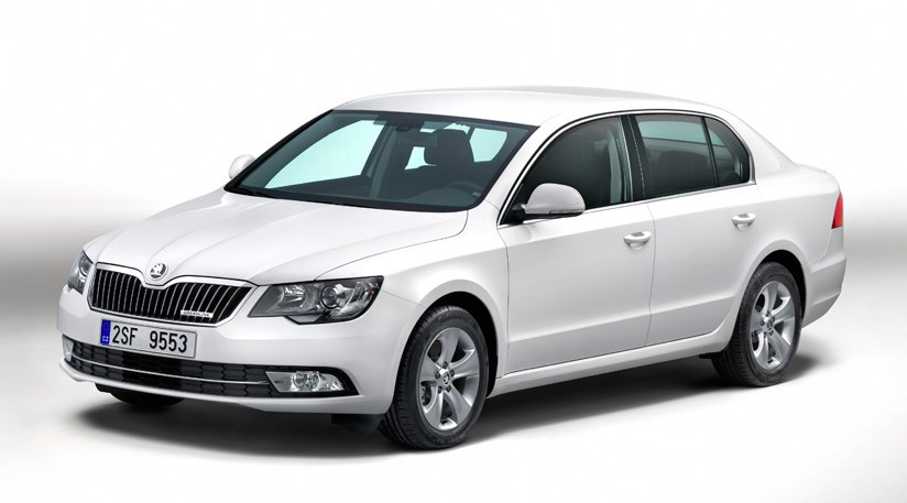 skoda superb se greenline 1 6 tdi 2014 review by car magazine. Black Bedroom Furniture Sets. Home Design Ideas