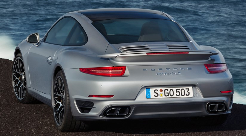 advertisement - 911 Porsche 2014
