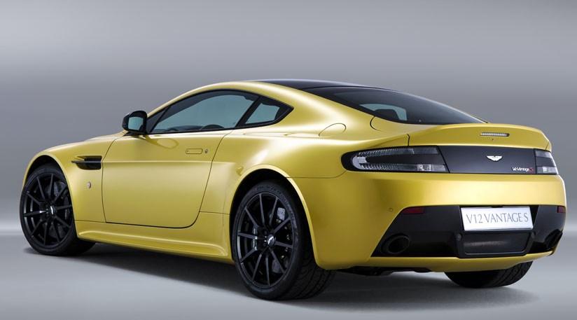 Aston Martin V Vantage S Review CAR Magazine - Aston martin v12 vantage s price
