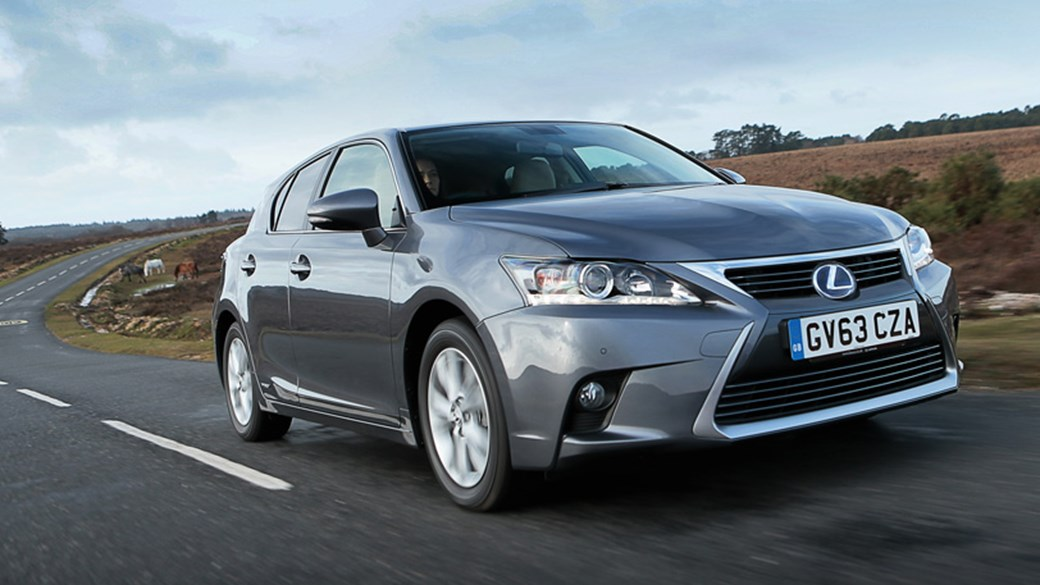 Lexus CT200h Advance (2014) Review