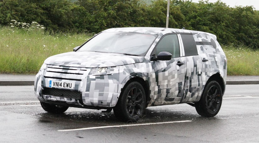 land rover discovery sport 2015 spy photos of new freelander by car magazine. Black Bedroom Furniture Sets. Home Design Ideas