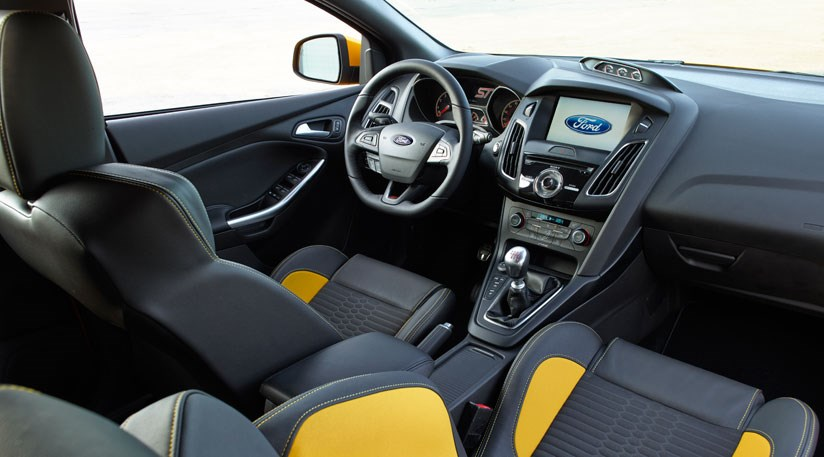 Ford Focus ST facelift 2014 unveiled by CAR Magazine