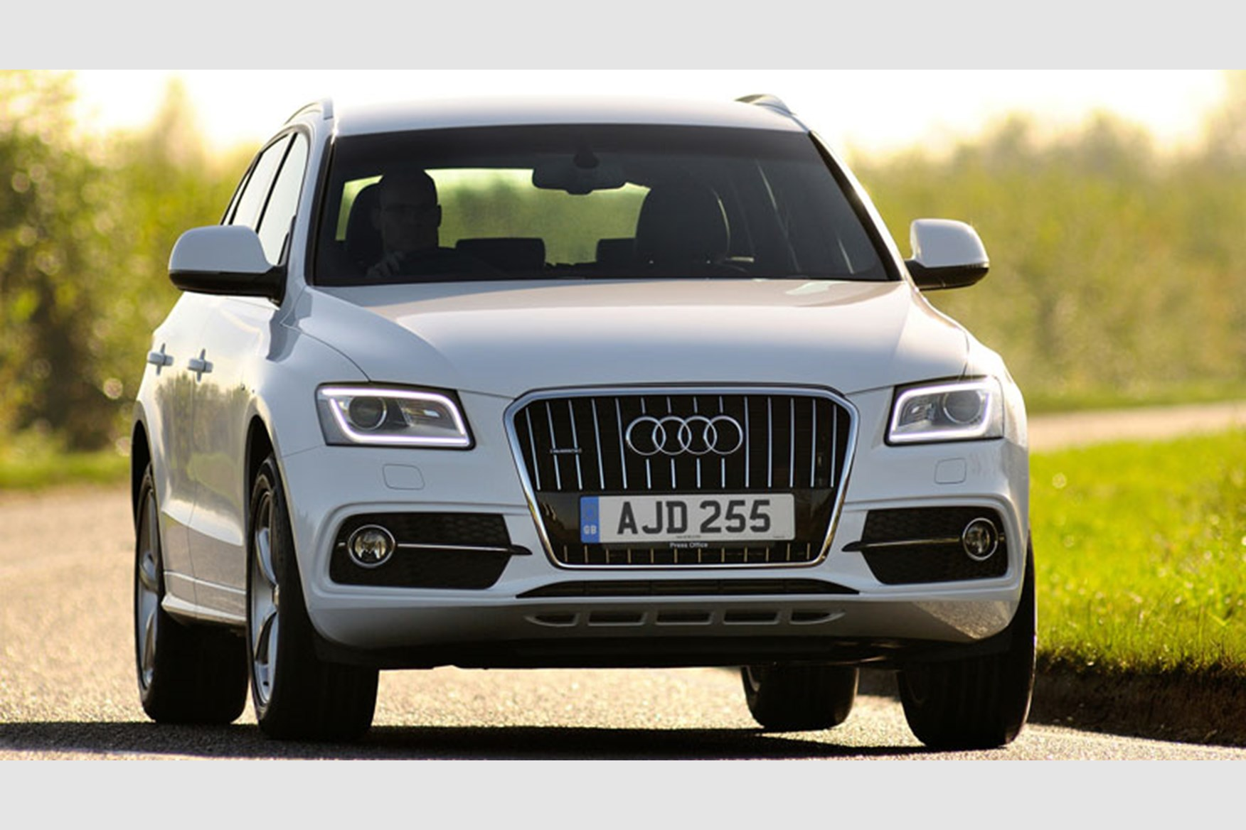 audi q5  2016  the mk2 crossover goes x3 baiting car