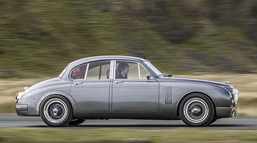 Old School Jaguar Mk2 Profile Meets Modern Hot Rod Details