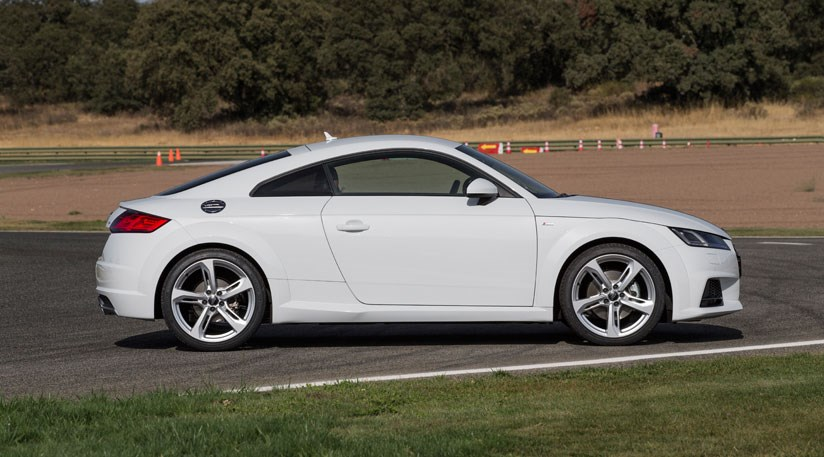 Audi TT 2.0 TDI Ultra Sport (2015) review by CAR Magazine