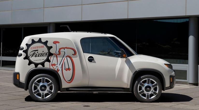 toyota u2 concept 2014 urban utility made sexy by car magazine. Black Bedroom Furniture Sets. Home Design Ideas