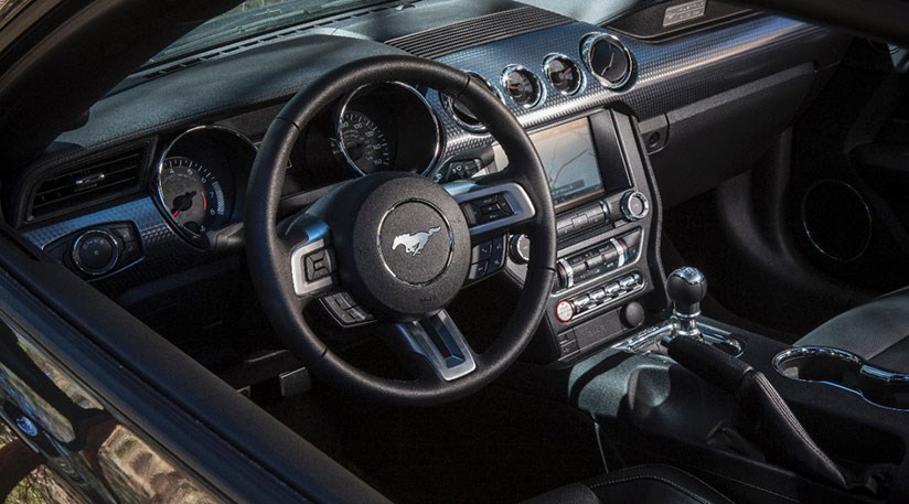 ... Ford Mustang (2015) Review ...
