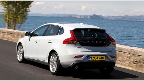 Volvo V40 D4 Geartronic SE Lux Nav (2014) review by CAR ...