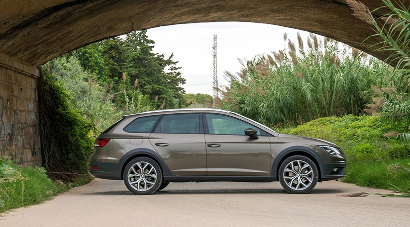 Seat Leon X-Perience (2015) review by CAR Magazine