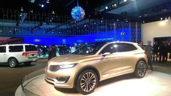 Lincoln stand LA show