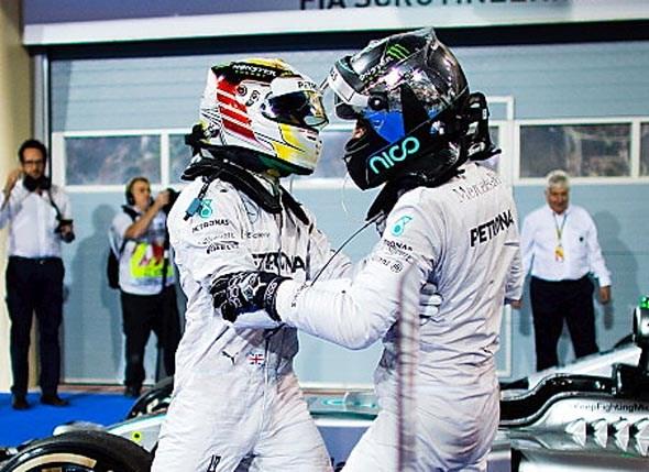 Lewis & Nico in mega Bahrain scrap