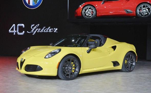 Alfa Romeo 4C Spider Detroit