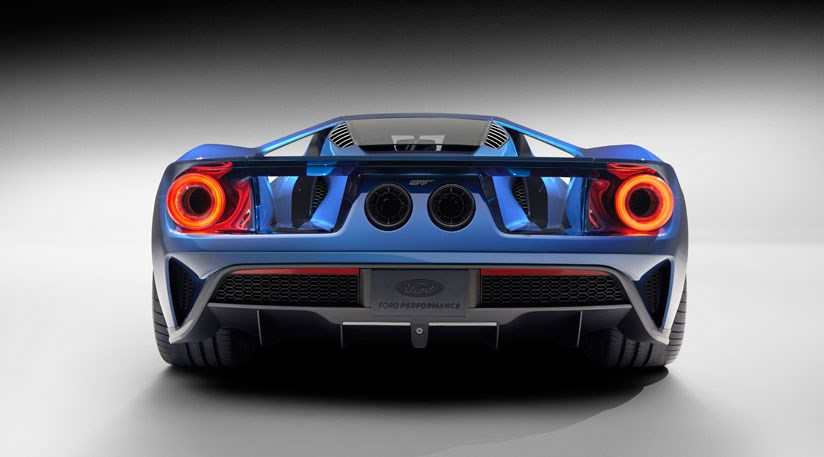 Ford Gt The Blue Oval S New Carbonfibre Supercar Shock By