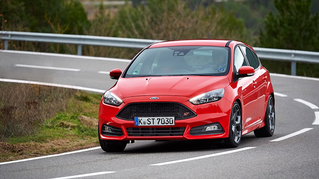 Ford Focus ST this time thereu0027s a diesel too & Ford Focus ST diesel (2015) review by CAR Magazine markmcfarlin.com