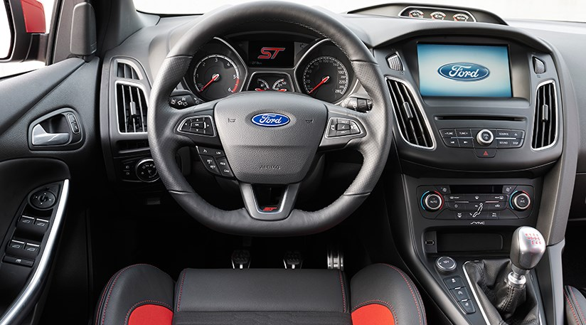 Ford Focus 15T Ecoboost Titanium X 2015 review by CAR Magazine