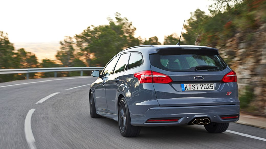 Like before the facelifted Ford Focus ST is available as either a five-door & Ford Focus ST 2.0 Ecoboost Estate (2015) review by CAR Magazine markmcfarlin.com