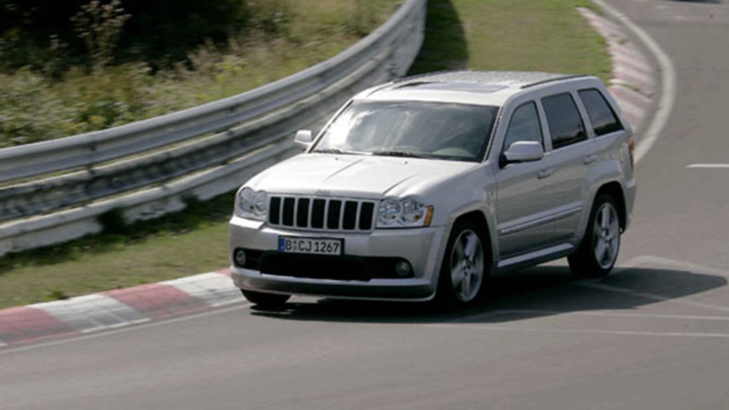 Jeep Grand Cherokee 6.1 SRT 8 (2006) Review
