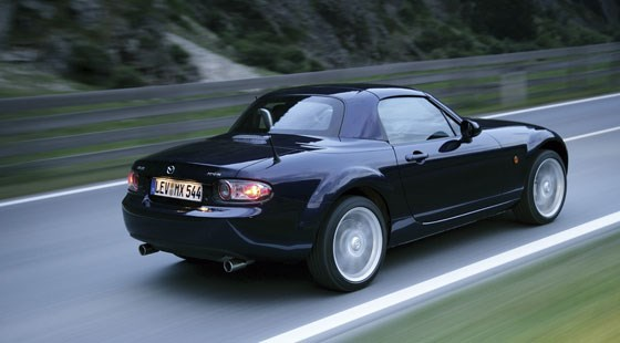 mazda mx 5 roadster coupe 2006 review by car magazine. Black Bedroom Furniture Sets. Home Design Ideas