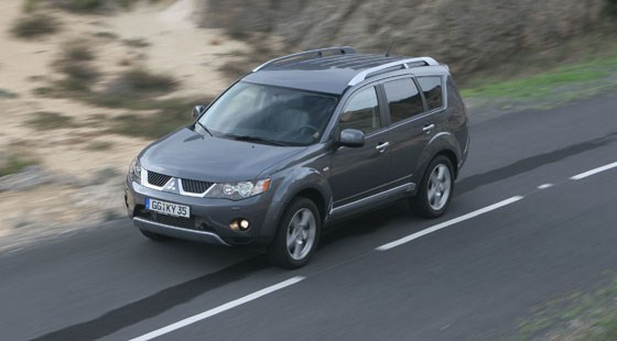 Mitsubishi Outlander (2006) review by CAR Magazine