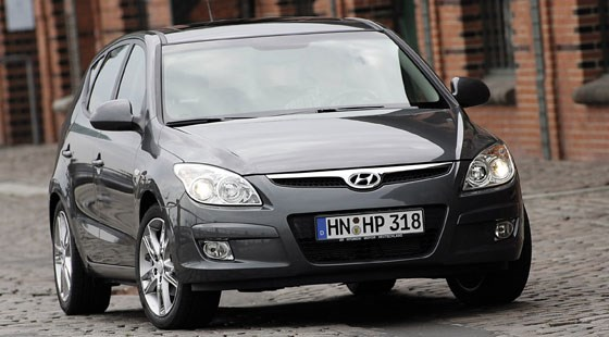 Hyundai i30 1 6 CRDi (2007) review   CAR Magazine