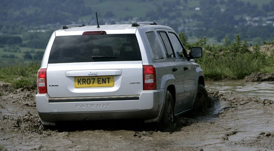 ... Jeep Patriot 2.0 CRD (2007) Review ...