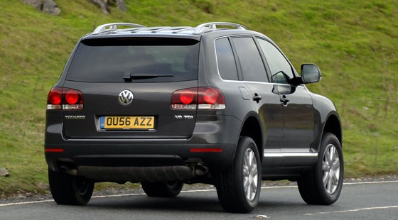 VW Touareg V10 TDi 2007 review by CAR Magazine