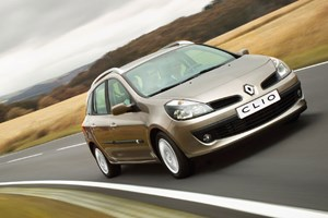 Renault Clio Sport Tourer 1.5 dCi (2007) CAR review | Road Testing ...