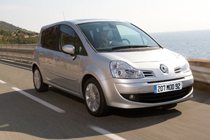 Renault Grand Modus 1.2 TCE front three-quarter