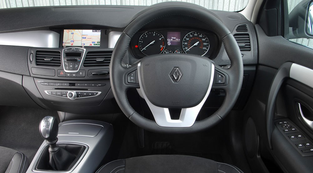 Renault Laguna Sport Tourer 2.0 dCi 175 Dynamique S (2008) review by ...