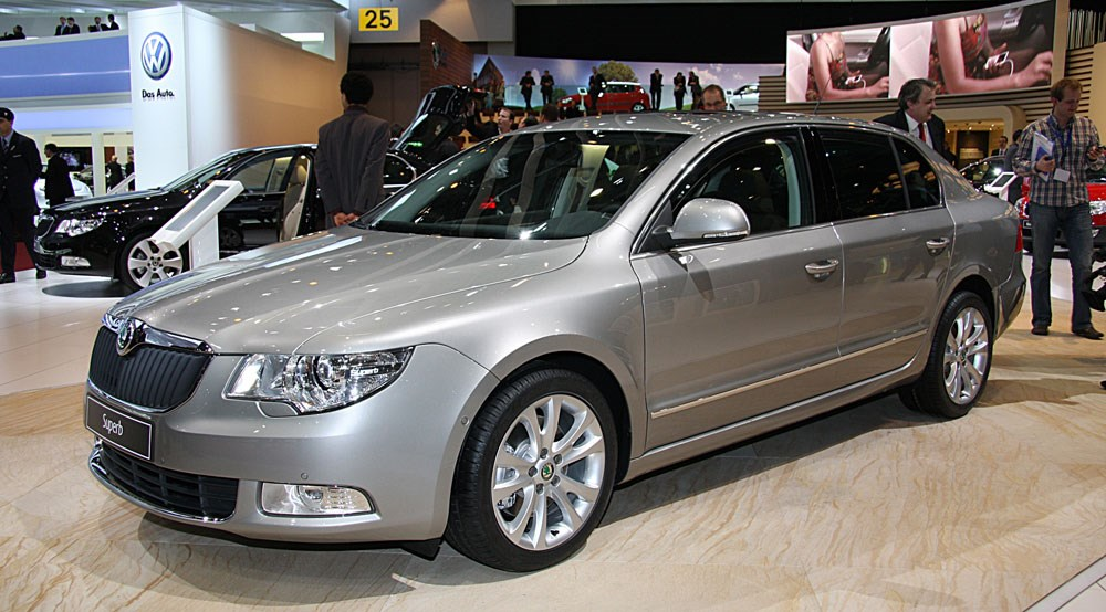Skoda superb at geneva car magazine