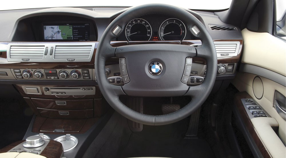 BMW 730Ld SE Engine Interior