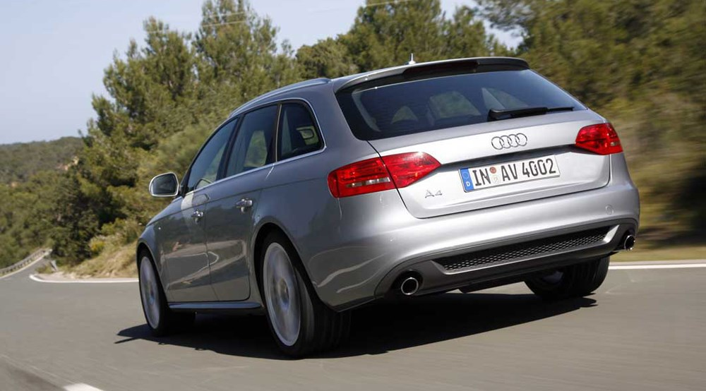 Audi A4 Avant 2.0 TDi S-line (2008) review by CAR Magazine