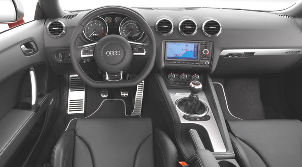Audi tts coupe 2008 review by car magazine for Interieur audi tt