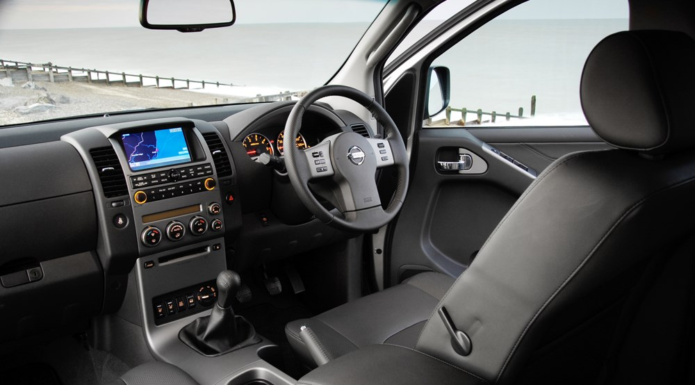 Nissan Pathfinder 2.5 dCi Aventura (2008) review | CAR ...