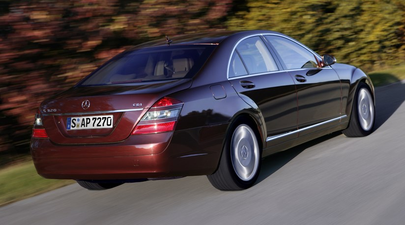 S class with no exhaust pipes showing - 6MercedesS320CDIcarreview