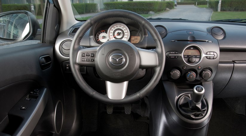 mazda 2 1 3 ts2 3dr 2008 review by car magazine. Black Bedroom Furniture Sets. Home Design Ideas