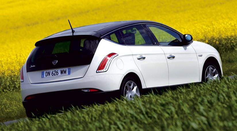 https://www.carmagazine.co.uk/Images/upload/9269/images/2LanciaDeltacarreview.jpg