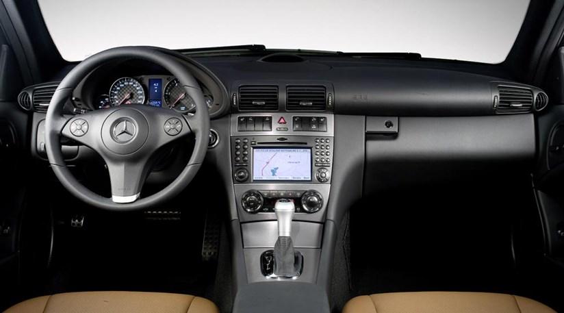 Mercedes clc 220 cdi 2008 review car magazine for Mercedes benz clc coupe