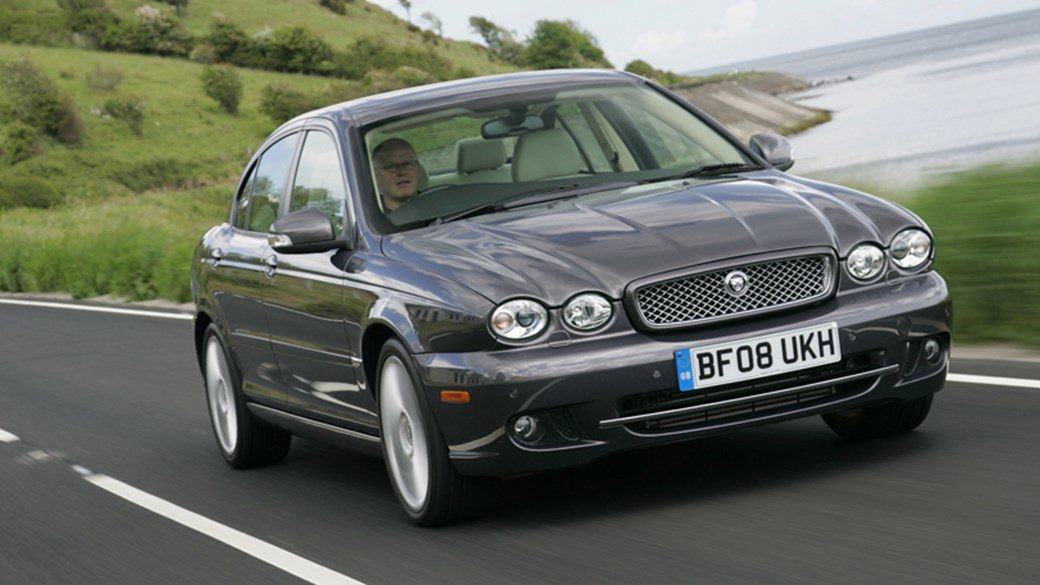 Superieur Jaguar X Type 2.2D (2008) Review