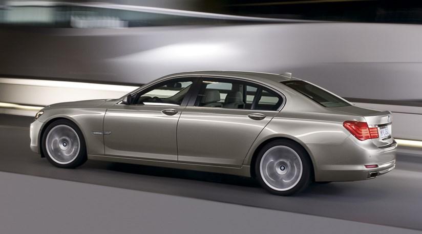 2009 Bmw 7 Series. BMW 7-series (2009) first