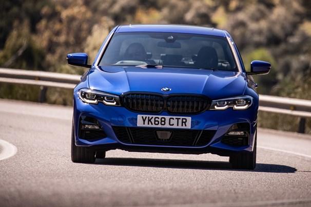 Bmw 3 Series Review Car Reviews Carzing